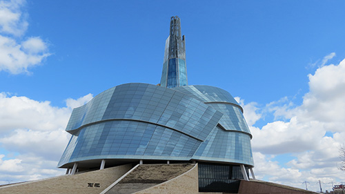 Canadian Museum for Human Rights, Winnipeg. By Robert Linsdell from St. Andrews, Canada [CC BY 2.0 (https://creativecommons.org/licenses/by/2.0)], via Wikimedia Commons